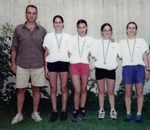 Πανελλήνιο 2000 Εθνικός χάλκινο 4Χ100 Μ.Ο. ΠΚ-Α (Πέρη Πάντζιου, Αναστασία Σκόρδα, Ελπίδα Μαυροματίδου, Στεφανία Τσακιροπούλου)